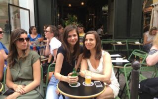 French lifestyle tips-café en terrasse
