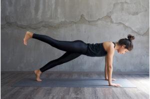 benefits doing planks-raised leg plank